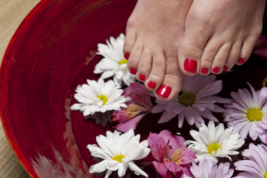 Foot Bath Benefits | Step-by-step Guide to Relaxation