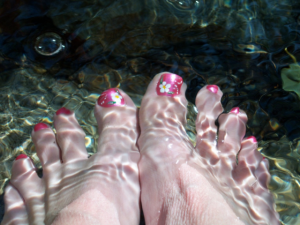 a heating foot spa should be one of the first things you try if your feet are aching